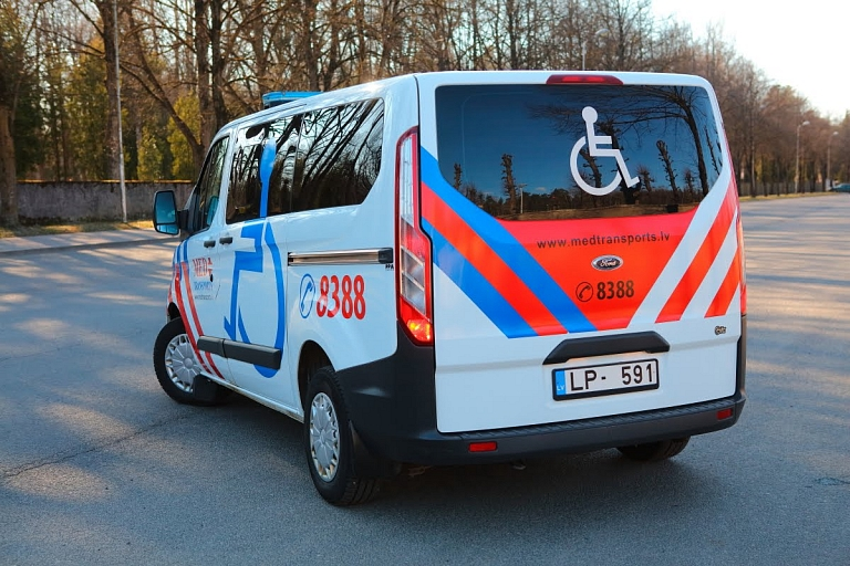 Pacientu transportēšana