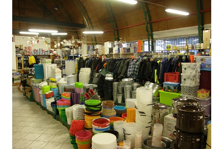 Plastmasas izstrādājumi spaiņi puķu kastes grozi Valmiera tirdzniecība Rūjiena