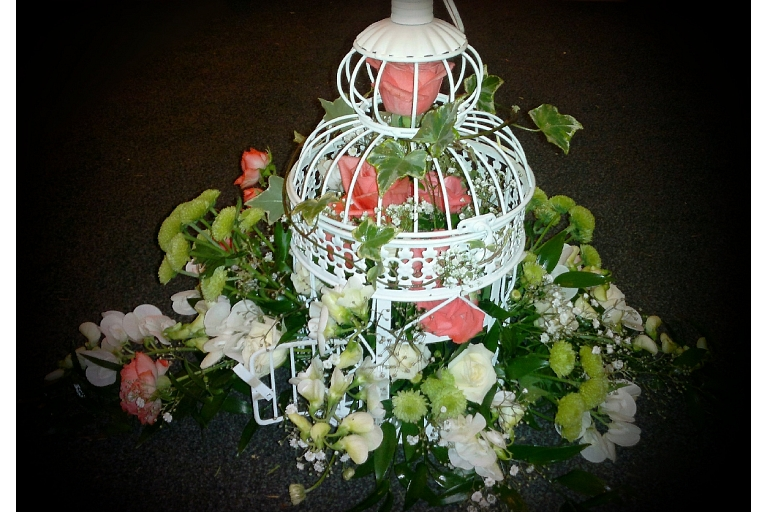 Flower arrangements for room decoration in Zemgale