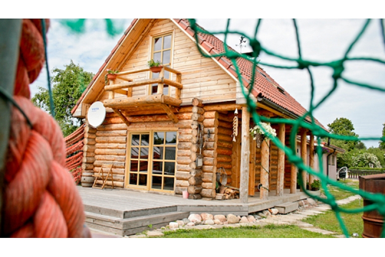 Log building cottages for family recreation in Kurzeme