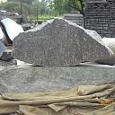 Akmens apstrāde, pieminekļu izgatavošana