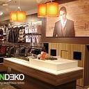 ALANDEKO korporatīvās mēbeles veikaliem vitrīnas skatlogi