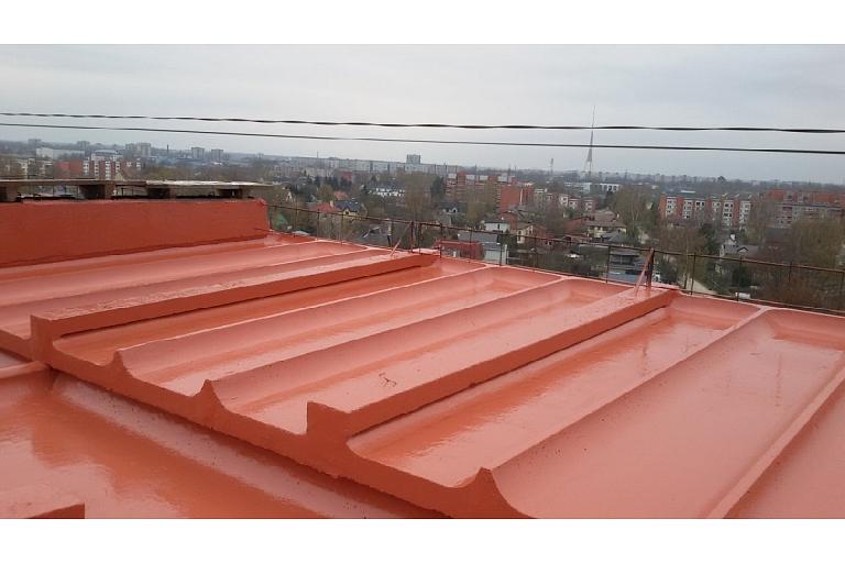 Betona jumta hidroizolacija pirmais slānis