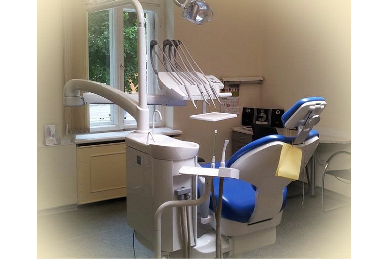 Dentistry and oral hygiene