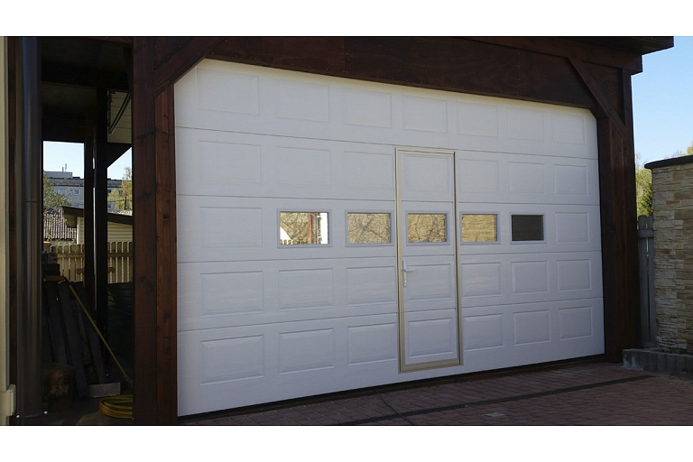 Sectional garage gates