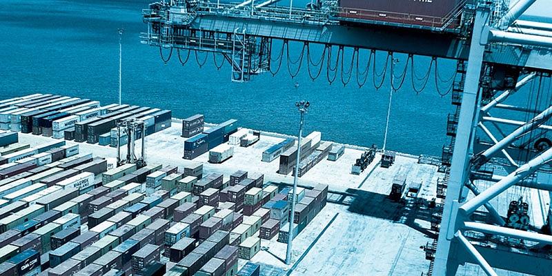 Pilno jūras konteinerkravu risinājumi. Pakalpojums no durvīm līdz durvīm.