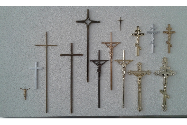 Wooden crosses, Plates, ritual supplies