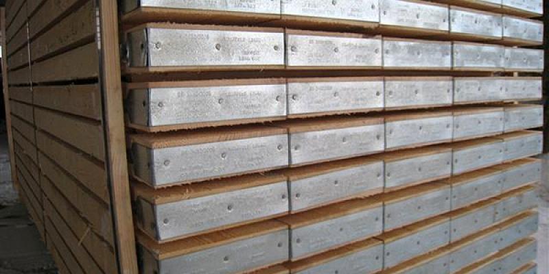 Kokmateriālu imports