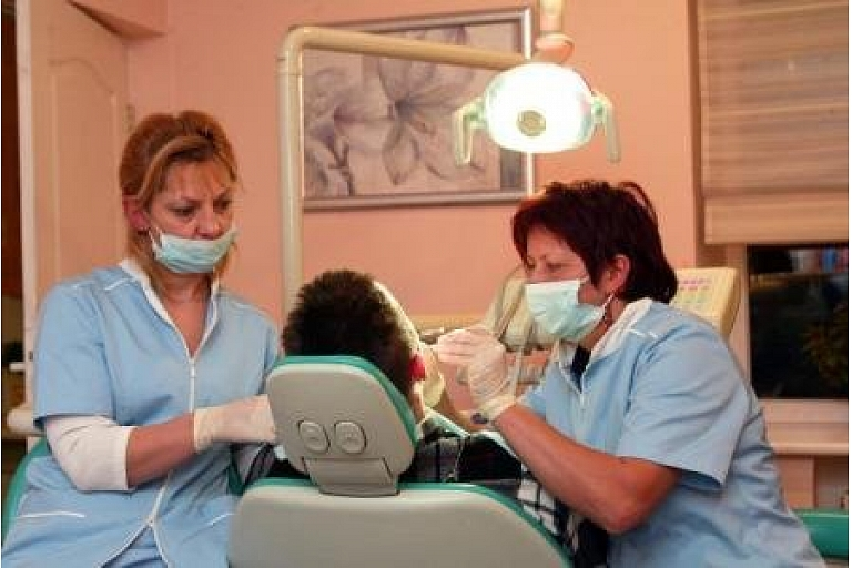 Hermess Zobārstniecība, pilns zobārstniecības pakalpojumu klāsts