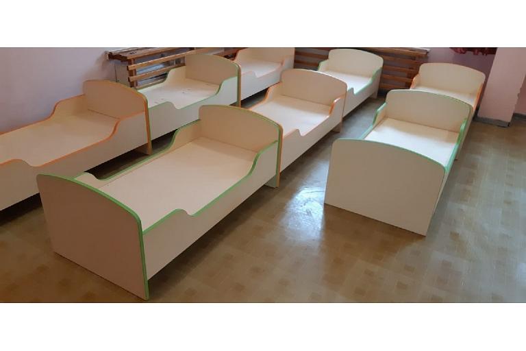 Children's cots