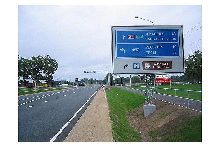Cela zīmju uzstādīšana cela zimes Riga Vidzeme Latvija