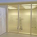 Stikla sienas un bīdāmās durvis