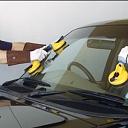 Autostiklu montāža
